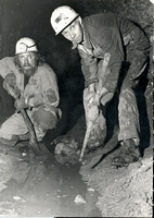 Jock and Todge clearing the adit in Wood Mine in 1970